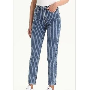 AMERICAN EAGLE GREAT COND MOM JEANS WHITE STRIPED